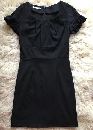 Черное платье piena