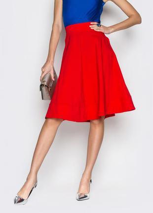 Эффектная расклешенная юбка