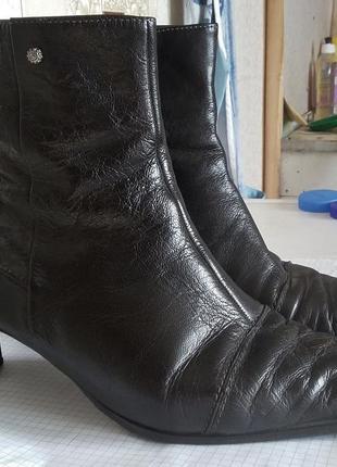 Демисезонные кожаные сапожки, деми полусапожки clarks, р. 39, на стопу 25,5 см.