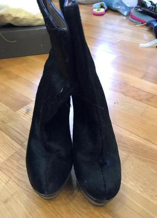 Ботинки на каблуке buffalo
