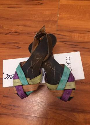 Продам босоножки сандали bueno