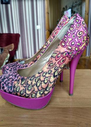 Красивые туфли plato