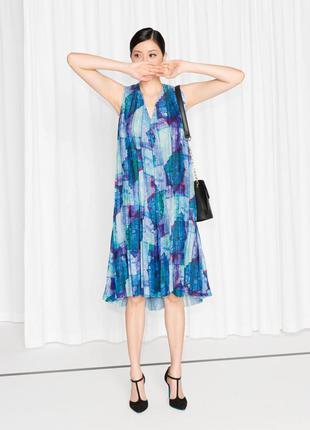 Эффектное плиссированное платье потрясающей расцветки от other stories