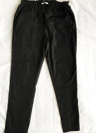 Легкие черные брюки calliope