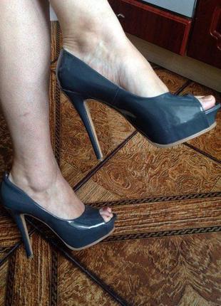 Лакированные туфли plato