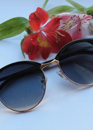 Красивые очки cat eyes ( с дефектом на оправе) дешево! новые