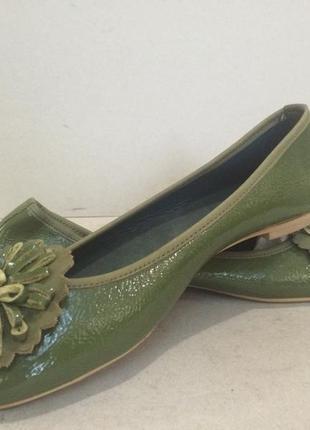 Фирменные кожаные  балетки модного цвета и много еще интересных вещей