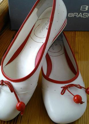 Кожаные балетки braska