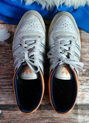 Кроссовки adidas. оригинал. натур. кожа.