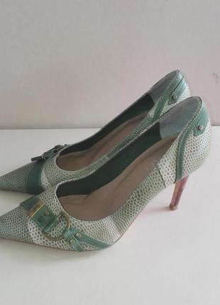 Элегантные кожанные туфли