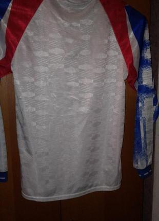 Спортивная модная кофточка от nike