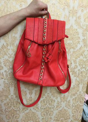 Яркий рюкзак , кораловый, красный.