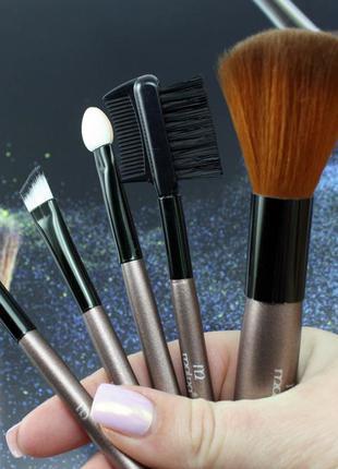 Мини-набор кистей для макияжа