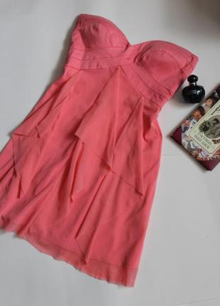 Нежное коктейльное платье бюстье коралового цвета