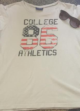 Стильная футболочка для любителей спортивного стиля