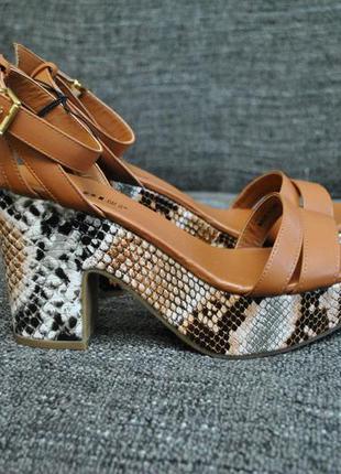 Босоножки сандалии женские kiabi 38 25см змеиный принт