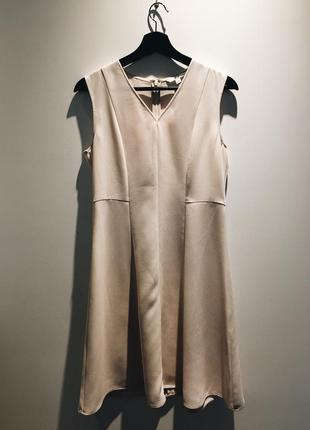 Платье uniqlo
