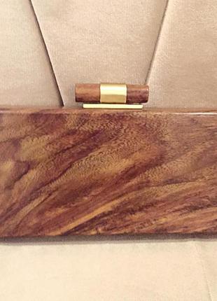 Невероятный,стильный ,оригинальный аксессуар,клатч из дерева french connection