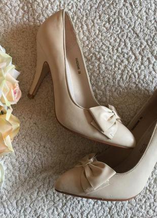Новые туфли женские t.taccardi беж в коробке торг