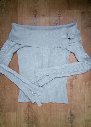 Нежно серый свитерок