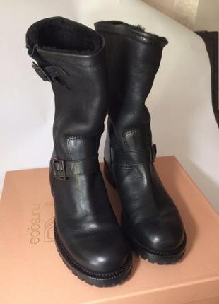Новые женские зимние сапоги, очень тёплые, кожаные с пряжкой