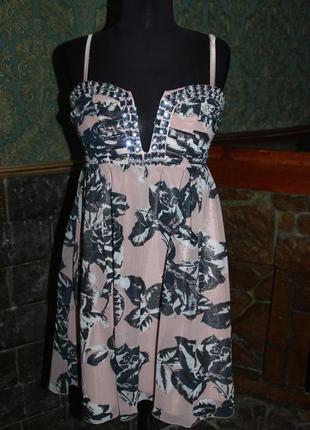 Красивое нарядное платье с декором с - м