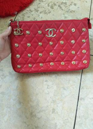 Красная сумка- клач chanel