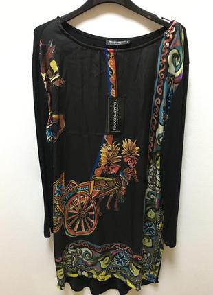 Отличное итальянское  платье фирмы rinascimento