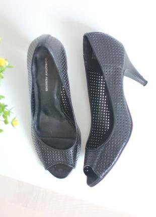 Кожаные туфли с перфорацией и открытым носком, бренд dorothy perkins 40,5