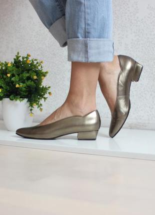 Кожаные туфли золотисто - бронзового цвета, натуральная кожа полностью 38 - 39