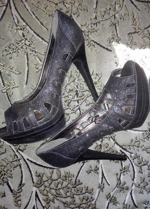 Красивые туфли на высоком каблуке atmosfere р 40