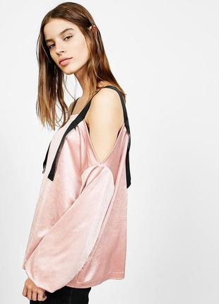 Bershka нова мега стильна блуза р с