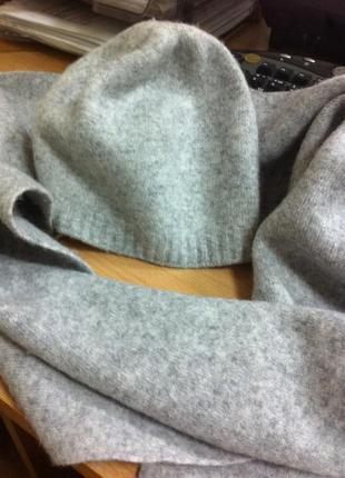 Шапочка и шарф benetton