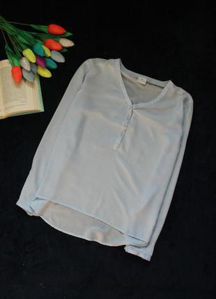 Базовая голубая блуза