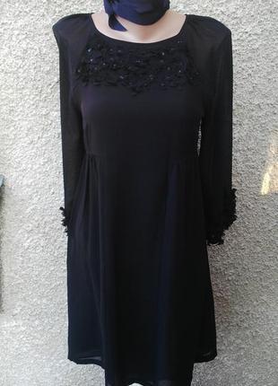 Очень красивое платье,туника под пояс, с цветочной аппликацией на груди и рукавах,monsoon