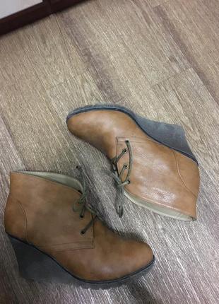 Зимнее/демисезонные рыжие женские ботинки 38 - 39
