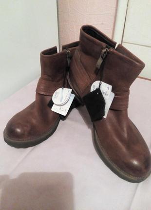 Кожаные,крутые ботинки.,,caprice,,.германия. размер 37,5