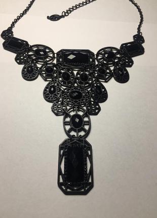 Чёрное ожерелье , украшение , аксессуар с камнями stradivarius