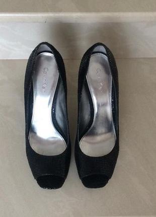 Летние туфли открытый носочек чёрные 36 размер calvin klein