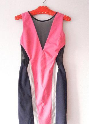 Платье футляр с вырезом сеточкой розовое синее размер s m