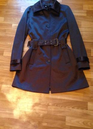 Пальто шоколадного цвета zara