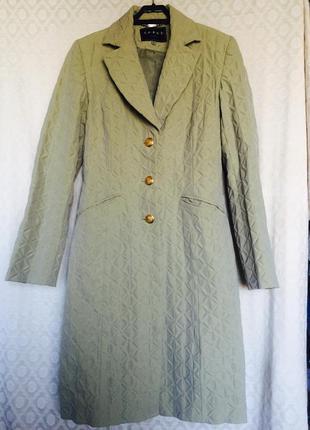 Восхитительное весеннее пальто