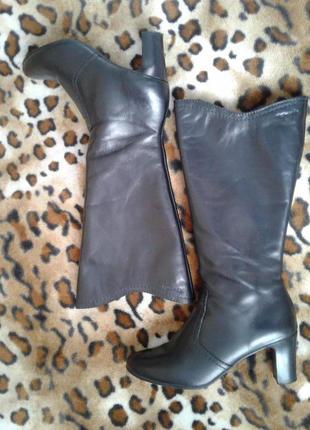 Tamaris( германия) кожаные сапоги демисезон весна-осень средний каблук 39р(25,5см)