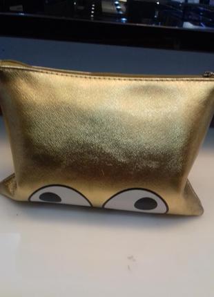 Крутая косметичка , золотого цвета sensey