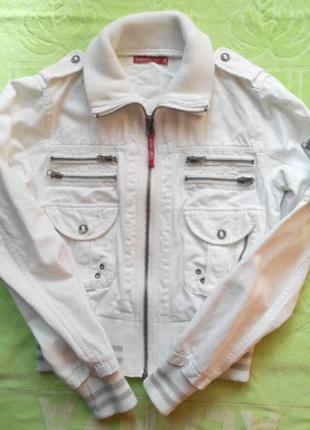 Клевая  куртка-бомбер chemistry