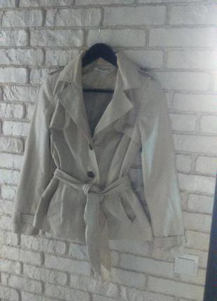 Стильно, коротенькое пальто