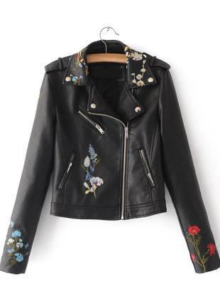 Куртка-косуха с вышивкой