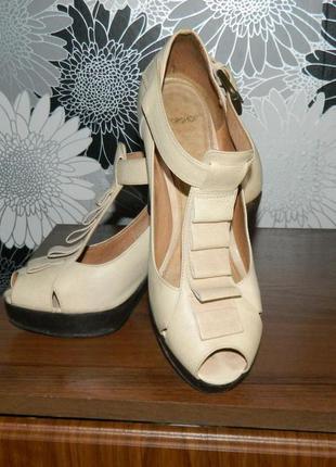 Туфли на платформе полностью кожаные бежевые topshop 38 евро 39 р.