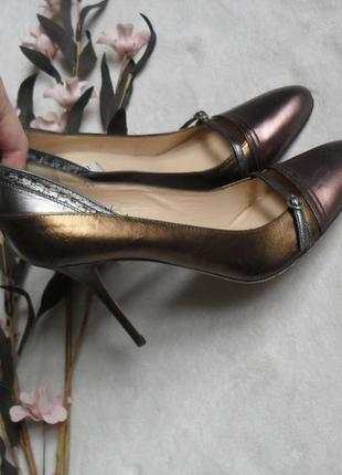 Стильные классические туфли на шпильке l.k.bennett (л.к.беннетт)london -39р