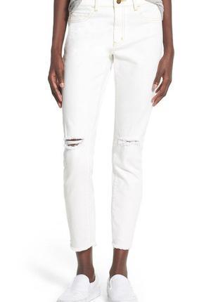 Трендові білі джинси